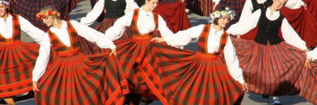 Хореографическое путешествие «Вокруг света за 30 дней»: отправляемся в Латвию и танцуем «Вару-вару»