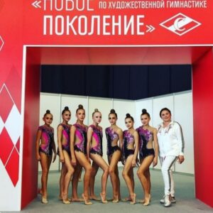 Фото Стяжкиной А.Е. и Аниськиной П.М. с командой