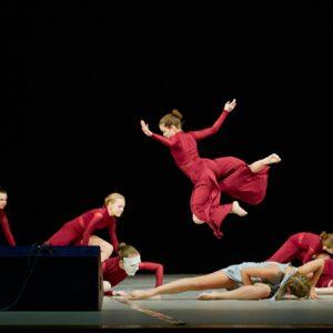 """На фото танцоры """"Школы современного танца """"Дуэт"""""""