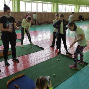 Фото турнира по мини-гольфу